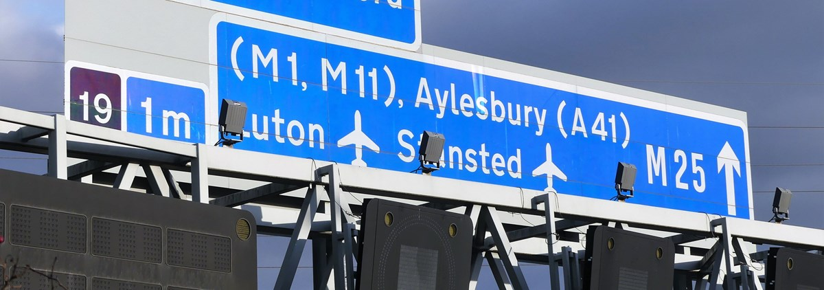 M25 signs